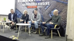 Paneldebat om Gys, Horror og Fantasy. Deltagere: Anne-Marie Vedsø Olesen, Mats Strandberg, Dennis Jürgensen. Moderator: Jacob Holm Krogsøe