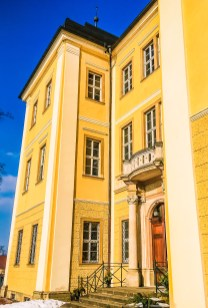 Łomnica Palace