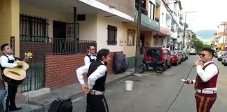 mariachis_crisis