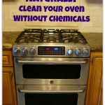 Naturally Clean Your Oven Without Chemicals Using One Common Kitchen Ingredient. It's safe and it's easy. www.H2OBungalow.com #greencleaning #naturalcleaning