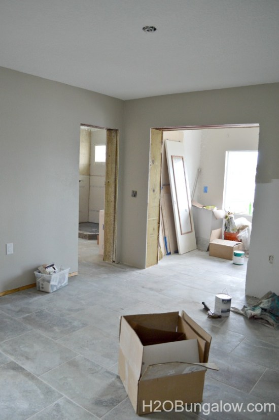 DIY tutoril on how to paint doors and trim with a paint sprayer H2OBungalow