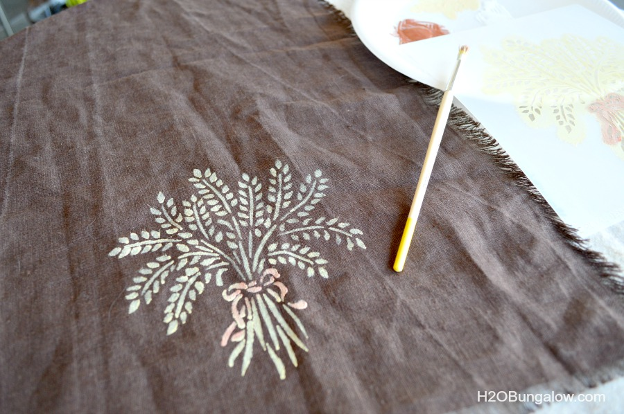 Stenciled-tea-towel-bread-basket-liner-H2OBungalow