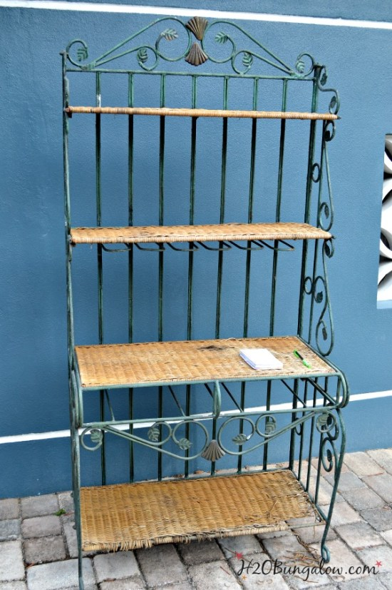 Bakers-rack-makeover-before-H2OBungalow