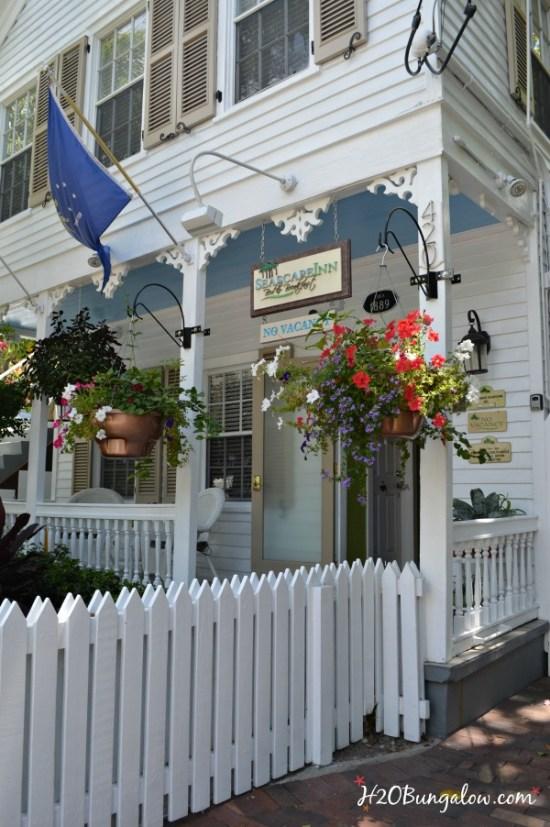 Beautiful buildings in Key West H2OBungalow