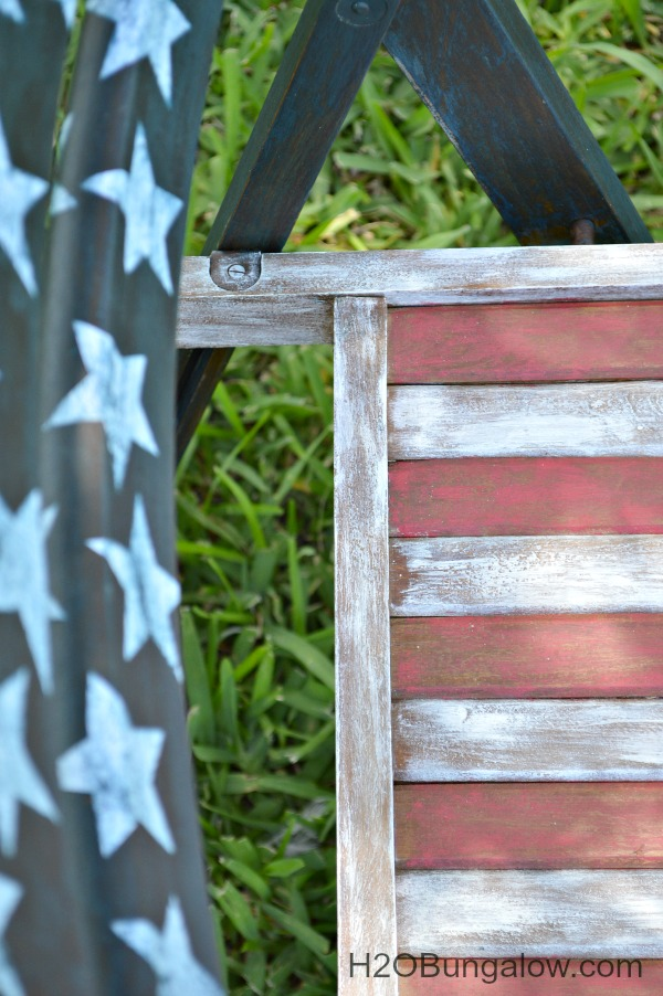 Handpainted red white and blue patriotic chairs for the Patriotic themed tour see this and many more ultra creative red white and blue themed projects in this tour H2OBungalow