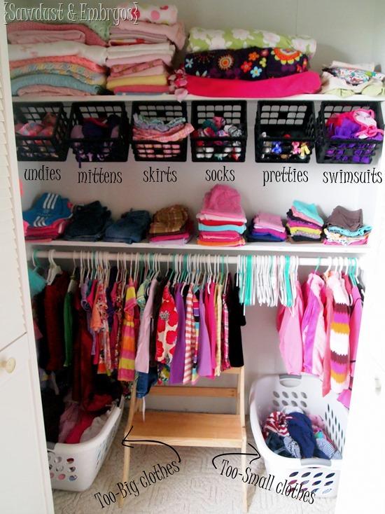 Little-girls-closet-organization-ideas-Sawdust-and-Embryos-Copy_thumb
