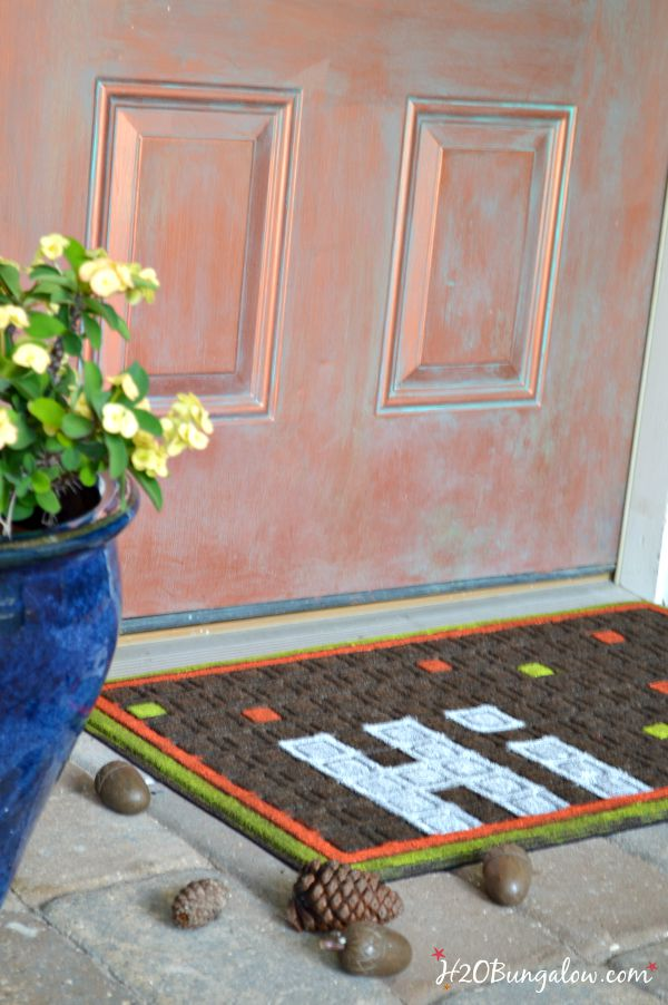 Transition into fall with this easy DIY fall doormat project www.H2OBungalow.com #fall