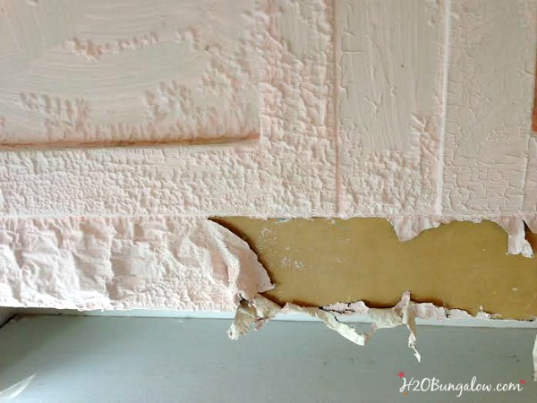 Stripping-paint-off-furniture-and-kitchen-cabinets-H2OBungalow