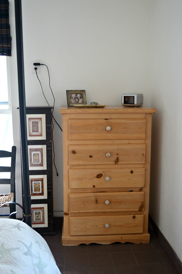 dresser before-painting-H2OBungalow