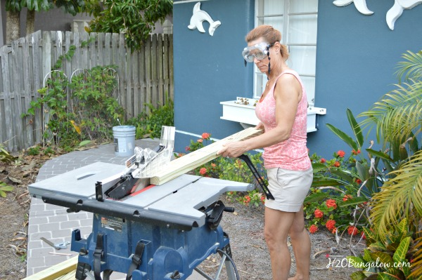 cut-boards-for-DIY-outdoor-sofa-table-with-table-saw-H2OBungalow