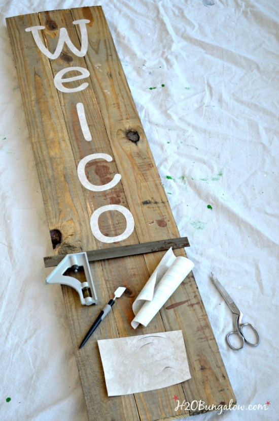 DIY-large-wood-welcome-sign-H2OBungalow