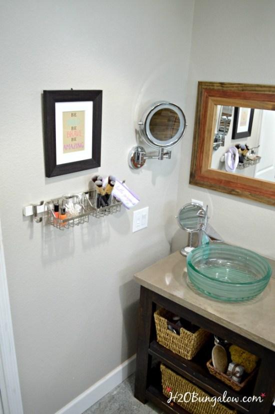 small-bath-organization-on-wall-h2obungalow