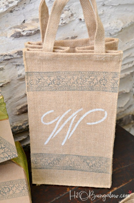 DIY stamped no sew linen napkins, gift bag and wrapping paper tutorial using IOD roller stamp and ink products. This is a super gift idea too! H2OBungalow