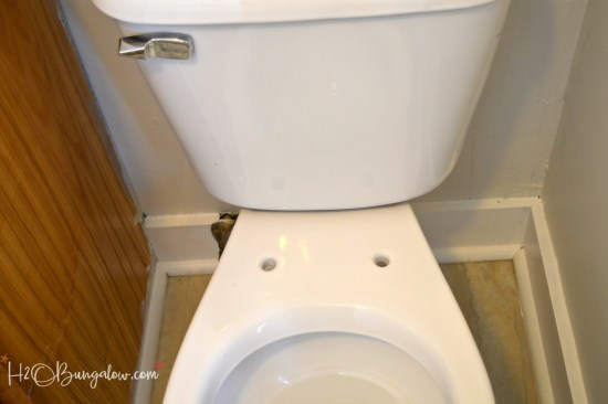 Step by step simple tutorial to install a slow close toilet seat to replace a worn or discolored toilet seat in less than 15 minutes.