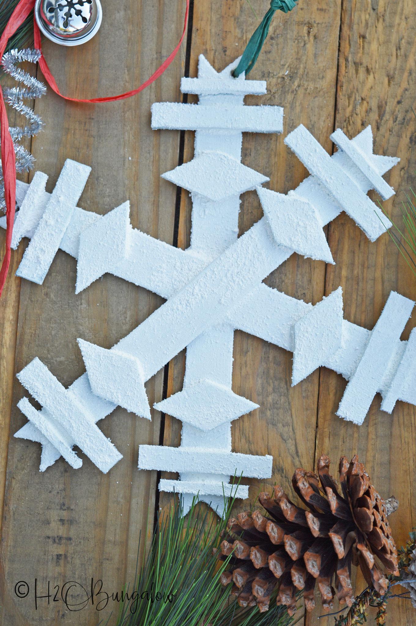 DIY Wooden Snowflake H2OBungalow