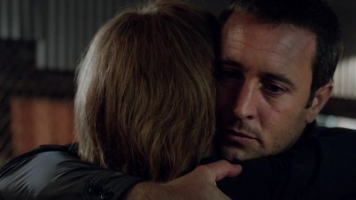 And then the goodbye hug to his mom. Still emo but markedly different. ^^^THIS^^^^ is what Alex is so brilliant at! These subtleties!! It literally pains my heart he doesn't get the credit he deserves.