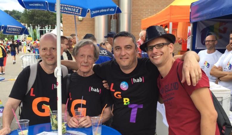 Vier wackere HAB-Schwestern an der Fribourg Pride.