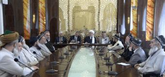 Совет улемов Таджикистана разрешил не посещать пятничную молитву госслужащим