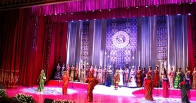 Таджикские власти приступили к разработке женской одежды