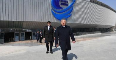 Президент Узбекистана подарил российским спортсменам жилье