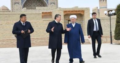 Мирзияев навязывает в Узбекистане суфизм