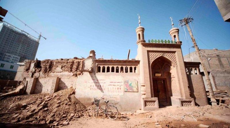 Китай разрушил в Восточном Туркестане 16 тыс. мечетей