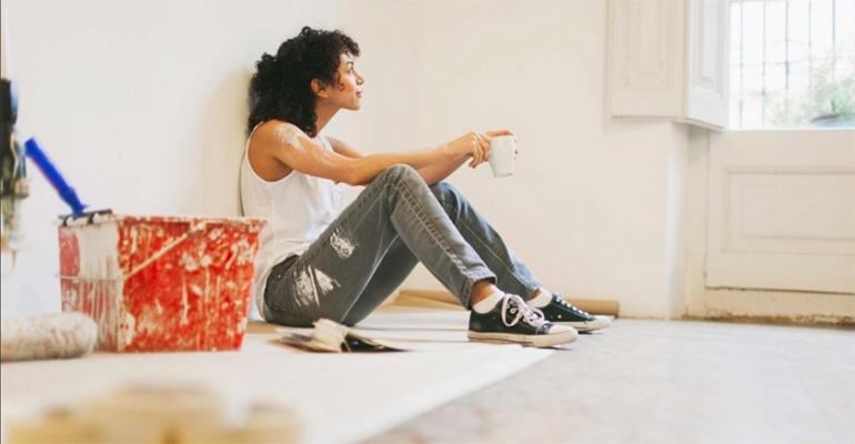 Come rinnovare casa spendendo poco in cinque mosse