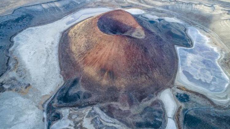 Dünya'nın nazar boncuğu Meke Gölü, haritadan silinme noktasında