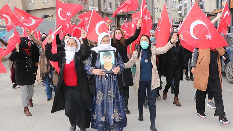 Şırnaklı kadınların HDP önündeki eyleminde 22'nci hafta; 'Neden oğlumu götürdüler'