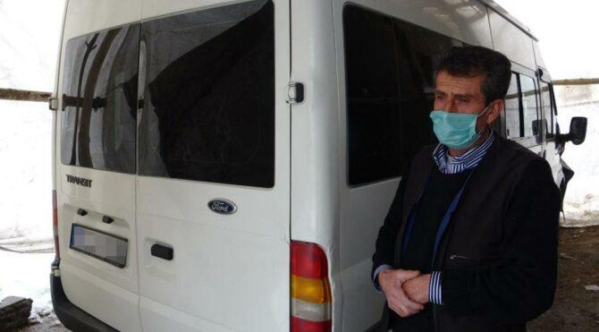 Çığda kaybettiği oğluna aldığı minibüsü bir yıldır çadırda bekletiyor