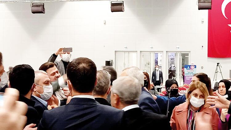 İBB Meclisi'nde bitmeyen atışma... Siyasetten çıkıp İstanbul'a gelemediler