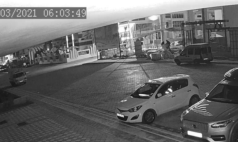Antalyada akılalmaz hırsızlık olayı 17 bin liralık tabloyu böyle çaldılar