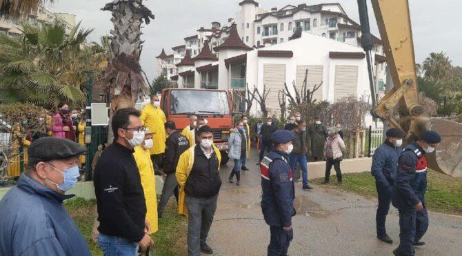 Antalya'da otel yıkım gerginliği