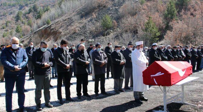Cumhuriyet Savcısı Salkım'ın cenazesi köyünde toprağa verildi