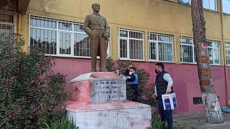 Tekirdağ' da Atatürk heykeline çirkin saldırıda bulunan şüpheli görüntüden tespit edildi