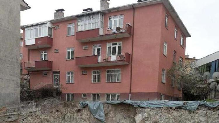 Ankara'da bir binada çökme tehlikesi! Tahliye edildi