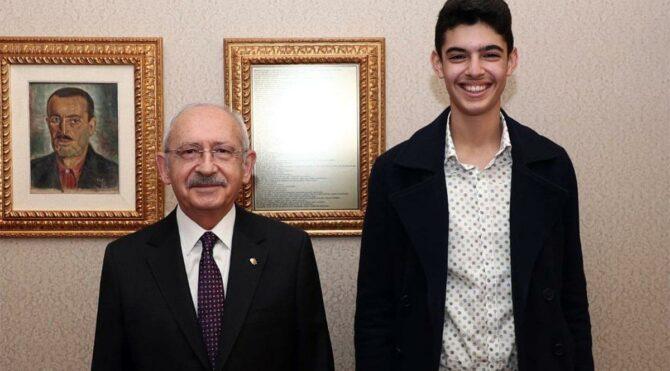 Kılıçdaroğlu, 'Her şey çok güzel olacak' sloganını ortaya çıkaran Berkay Gezgin ile bir araya geldi