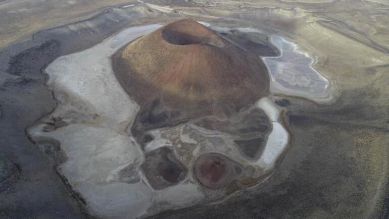 Meke Gölünde bir damla bile su kalmadı Dünyanın nazar boncuğu haritadan silinme noktasında