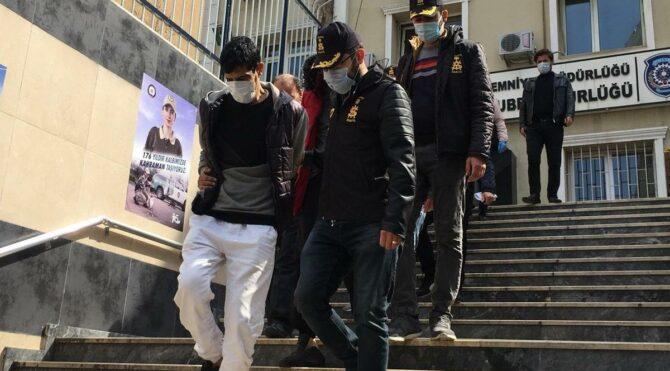Polis kılığında 1 milyon liralık vurgun yaptılar