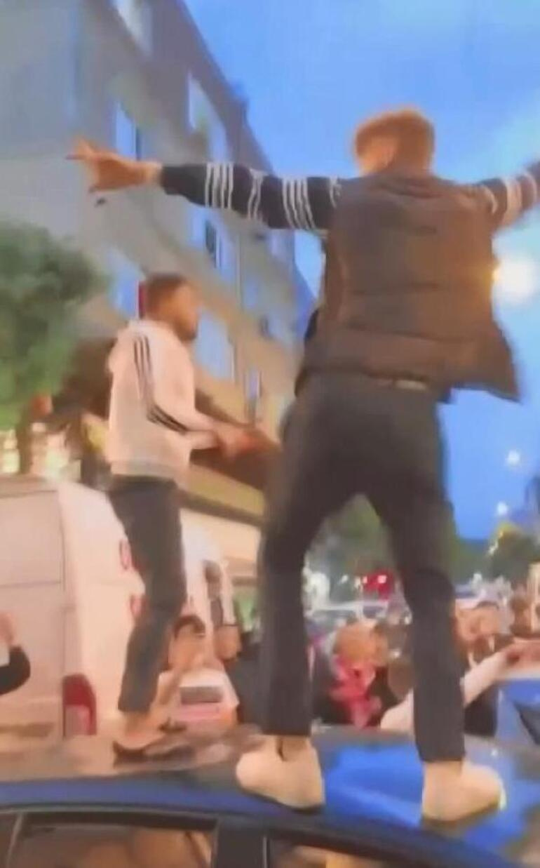 Kısıtlamaya rağmen tepki çeken görüntüler Polis silahını havaya kaldırdı