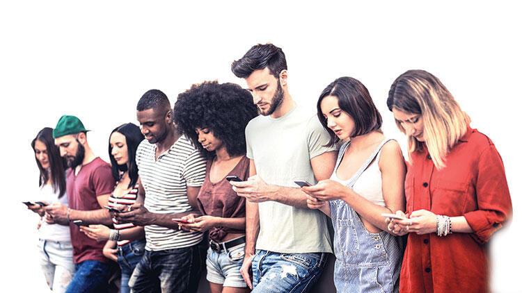 Hastalığınız: Sosyal medya