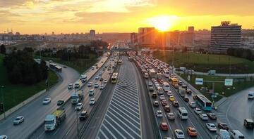 İstanbulda trafikte 10 kara nokta Sürücülere uyarılar geldi