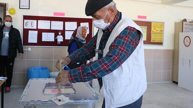 Afyonkarahisardaki seçimde adaya çıkan 1 oy merak konusu oldu