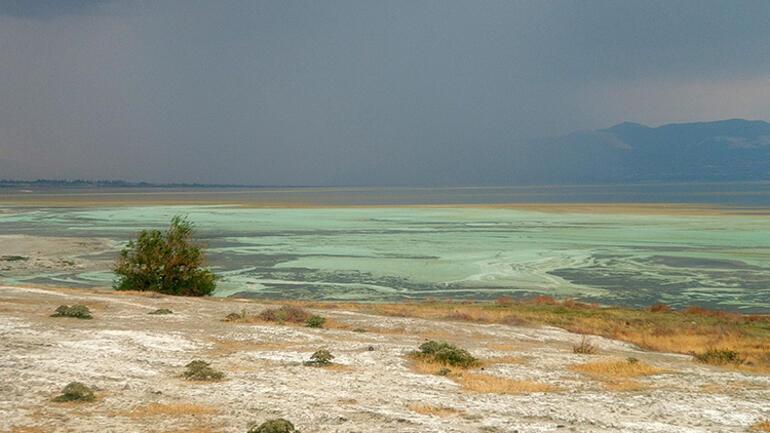 Burdur Gölünde şaşırtan değişim Açıklama geldi...