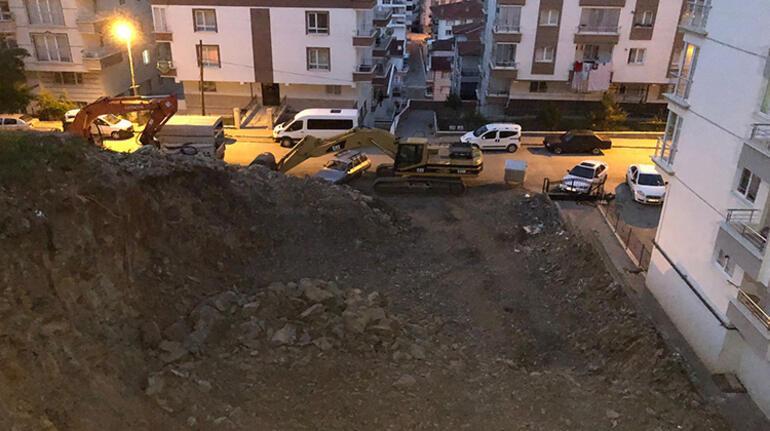 Gece 02.00de gelen ses tedirgin etti 3 katlı apartman tahliye edildi