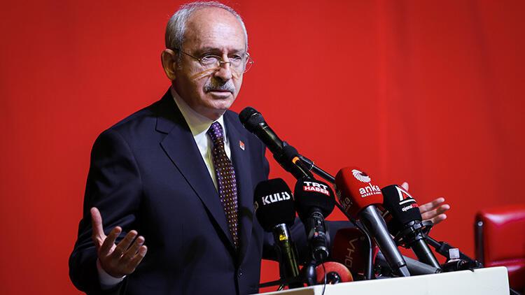 CHP Genel Başkanı Kemal Kılıçdaroğlu, Aydın'da kanaat önderleri ve muhtarlarla bir araya geldi