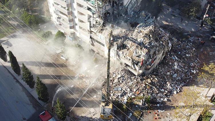 İzmir'deki depremde yıkılan Yılmaz Erbek Apartmanı iddianamesi kabul edildi