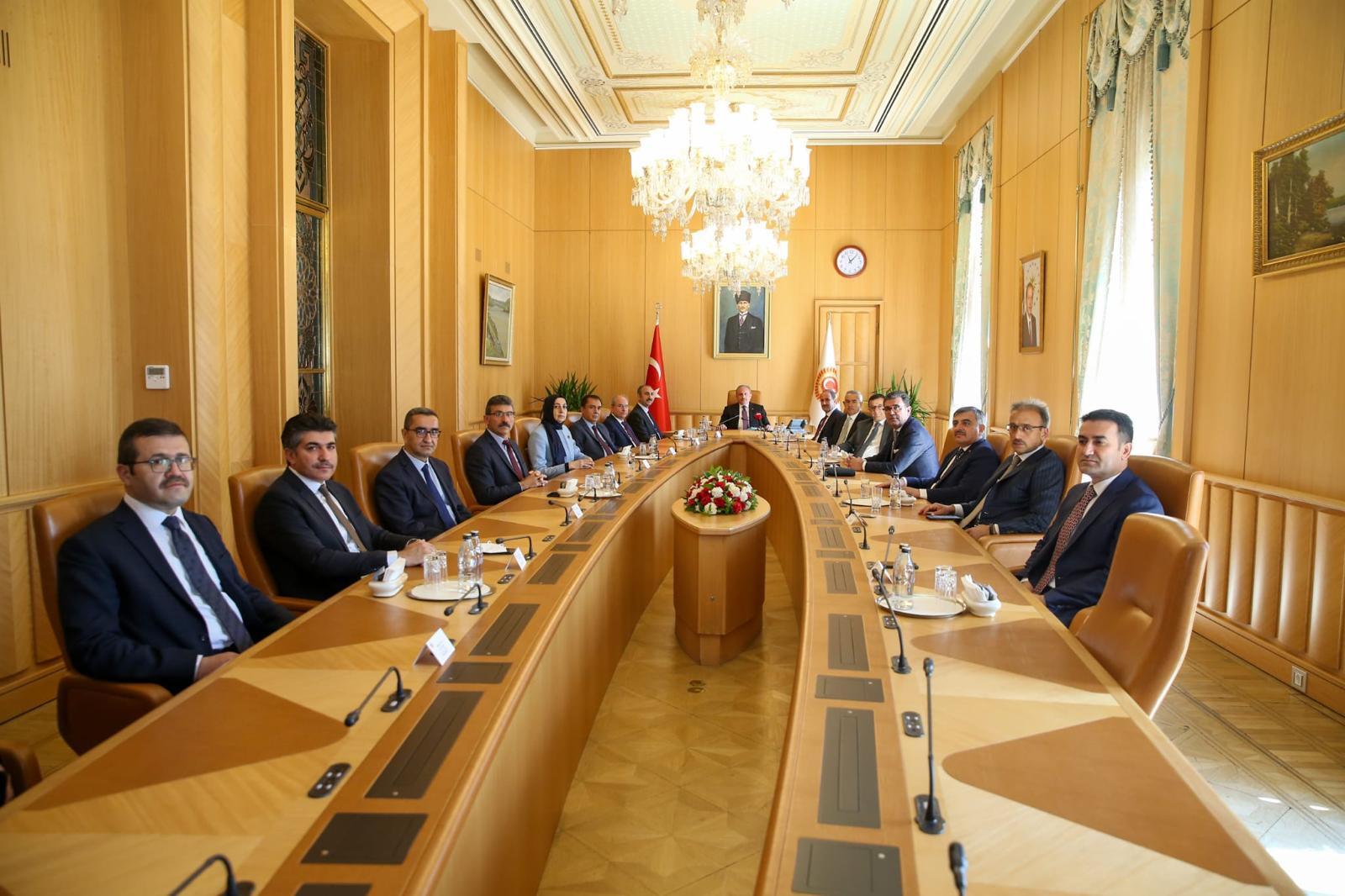 TBMM Başkanı Şentop Adalet Bakanı Gül ve HSK üyelerini kabul etti | SON TV