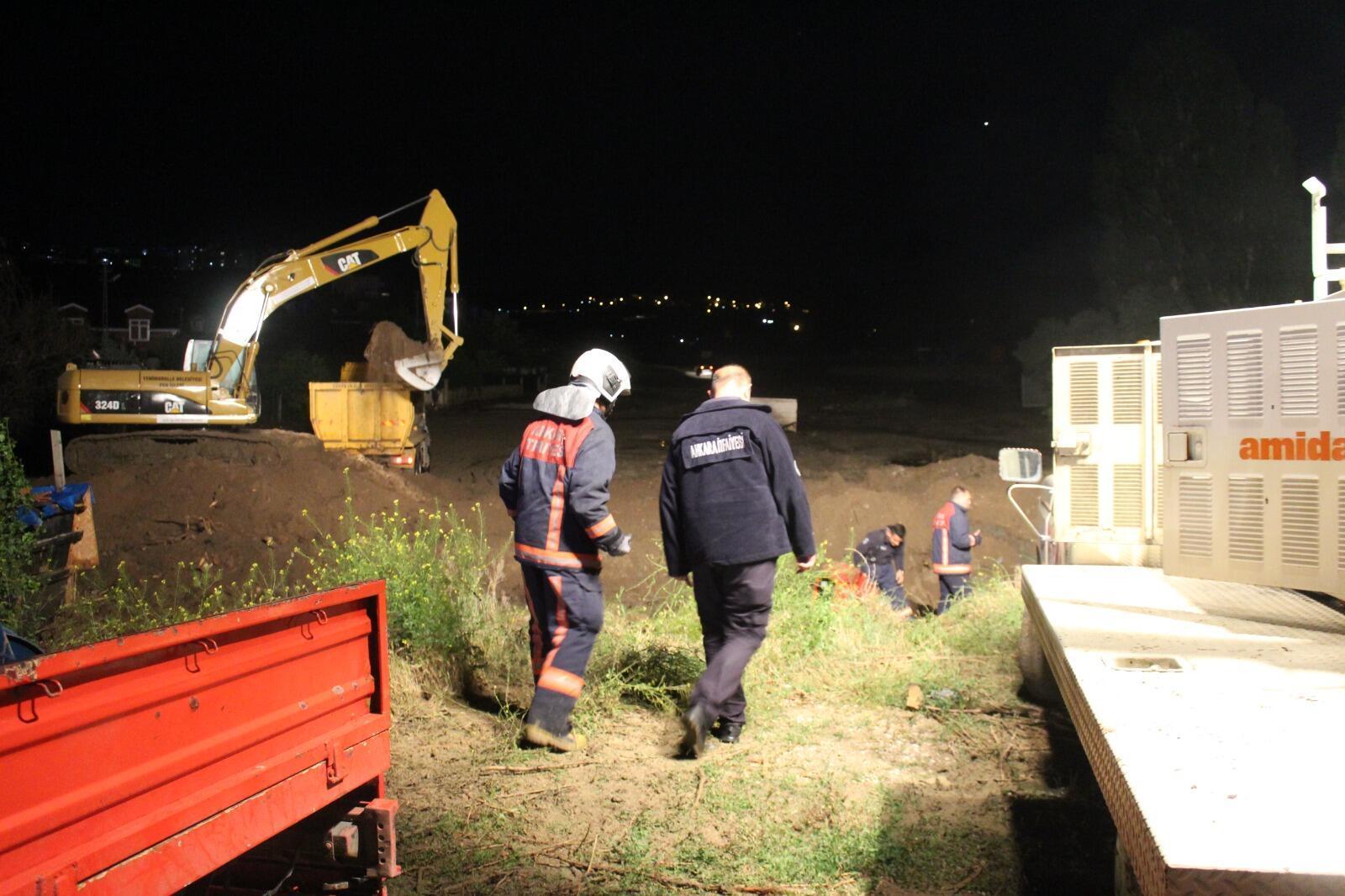 Yenimahalle'de sağanak nedeniyle dere taştı; sele kapılan 6 hayvan öldü