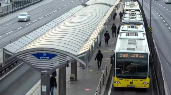 Sokağa çıkma yasağı sonrası İstanbul'da toplu ulaşım saatleri belli oldu